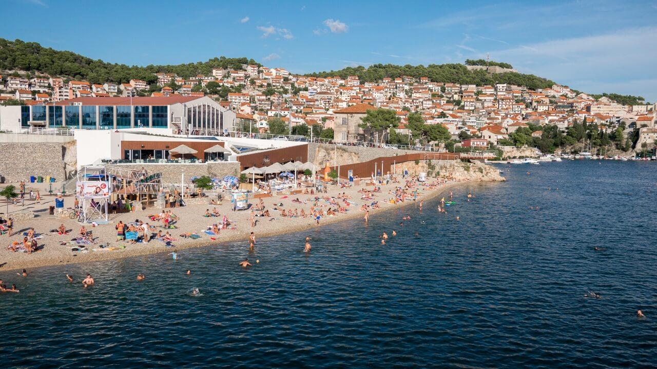 Šibenska gradska plaža Banj